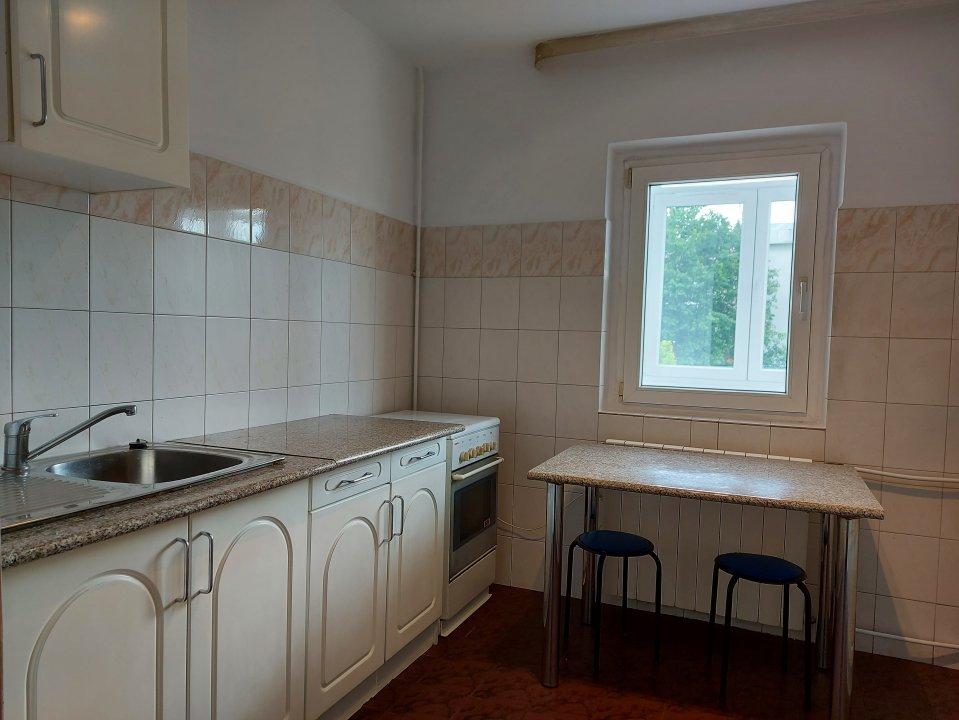 Aviatiei, apartament decomandat de 2 camere la 5 minute de metrou Aurel Vlaicu!