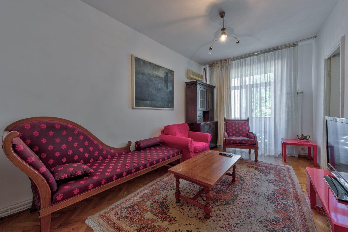 Apartament de 2 camere in vila interbelica, la 5 minute de Parcul Cismigiu!