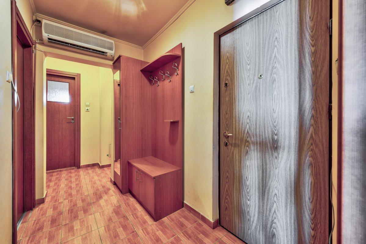 Apartament de 2 camere la doi pasi de metrou! Comision 0%!