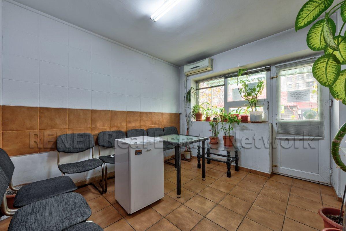 Baneasa, 4 camere, stradal, mobilat birou, 2 intrari!