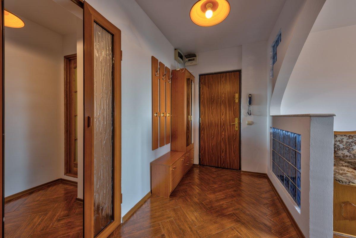Apartament mobilat si utilat complet, cu loc de parcare, 0% comision