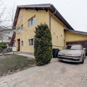 Vila cu arhitectura de munte adusa in Sudul Bucurestiului