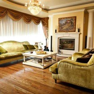 Penthouse cu 5 camere de 373mp, 4 parcari subterane si finsaje exceptionale.